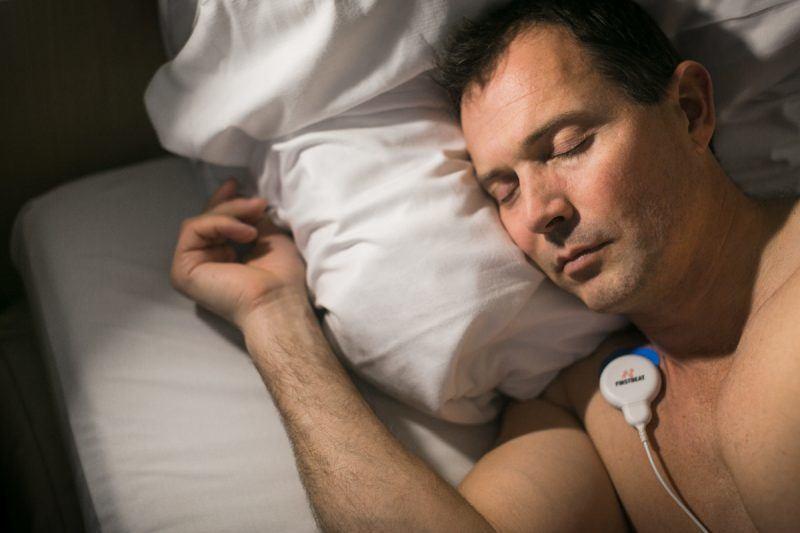 Firstbeat Bodyguard -mittauslaite mittaa unen laatua