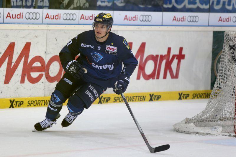 DEL - Eishockey - Saison 2015/2016 - ERC Ingolstadt - Augsburger Panther - Marc Schmidpeter (#20 ERC Ingolstadt) - Foto: Jürgen Meyer