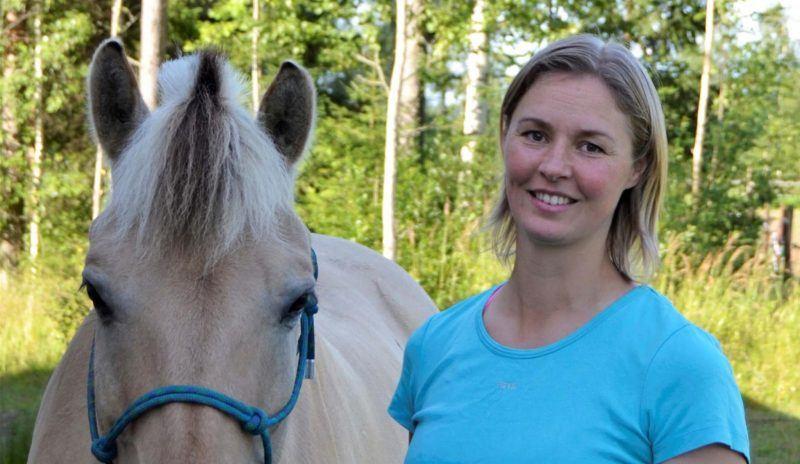 ratsastusterapeutti Maija Hautanen